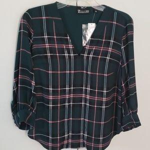 NY and Co V neck blouse